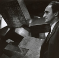 Eduardo Chillida, Modulation d'espace 2, documenta 4, 1968, Handabzug auf Barytpapier, 25 x 25 cm