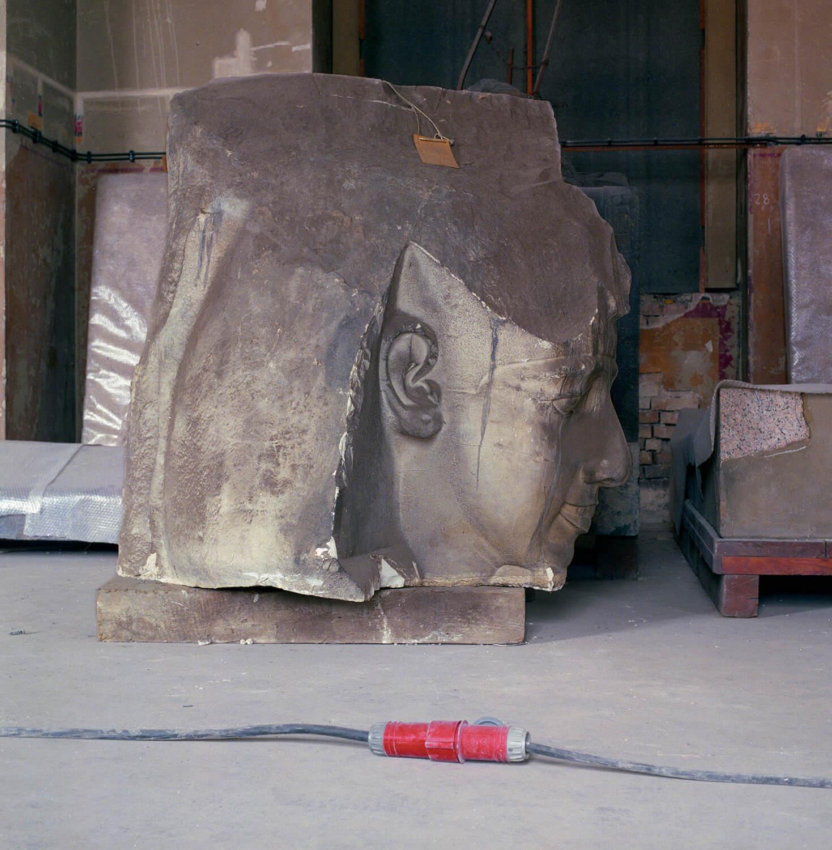 Jenö Gindl, ohne Titel 10, 1992/ 2009, C-Print, 29 x 29 cm, aus der Serie: Neues Museum