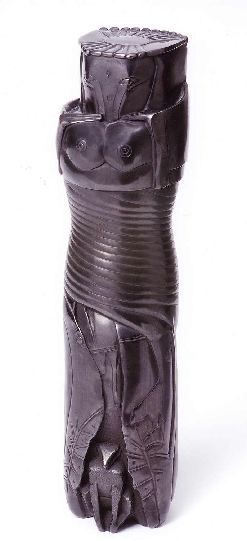 Joachim Schmettau, Frau mit Tieren, 2005, Bronze, Höhe 34 cm