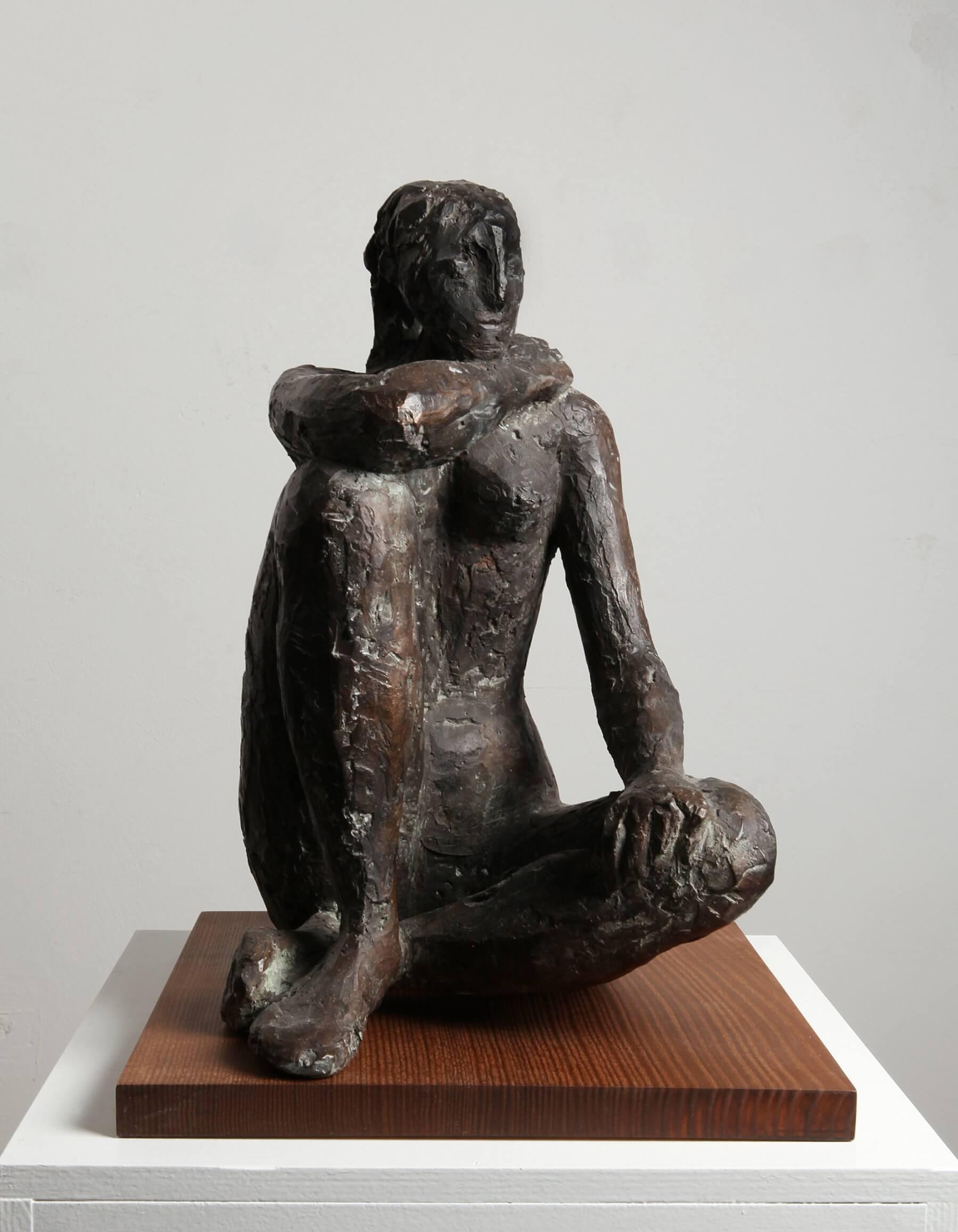 Genni / Jenny Wiegmann-Mucchi, Ausruhende Tänzerin, 1969, Bronze, Höhe 43 cm