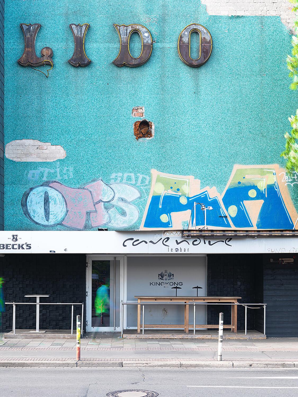Richard Thieler, Lido, Braunschweig, 2018, Backlite-Folie in Halbe LED-Rahmen, Auflage: 3, 86,4 x 61,8 cm