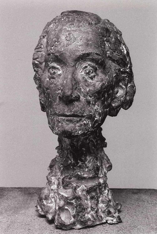 Sabina Grzimek, Inge Keller, 1999, Bronze, Höhe 46 cm